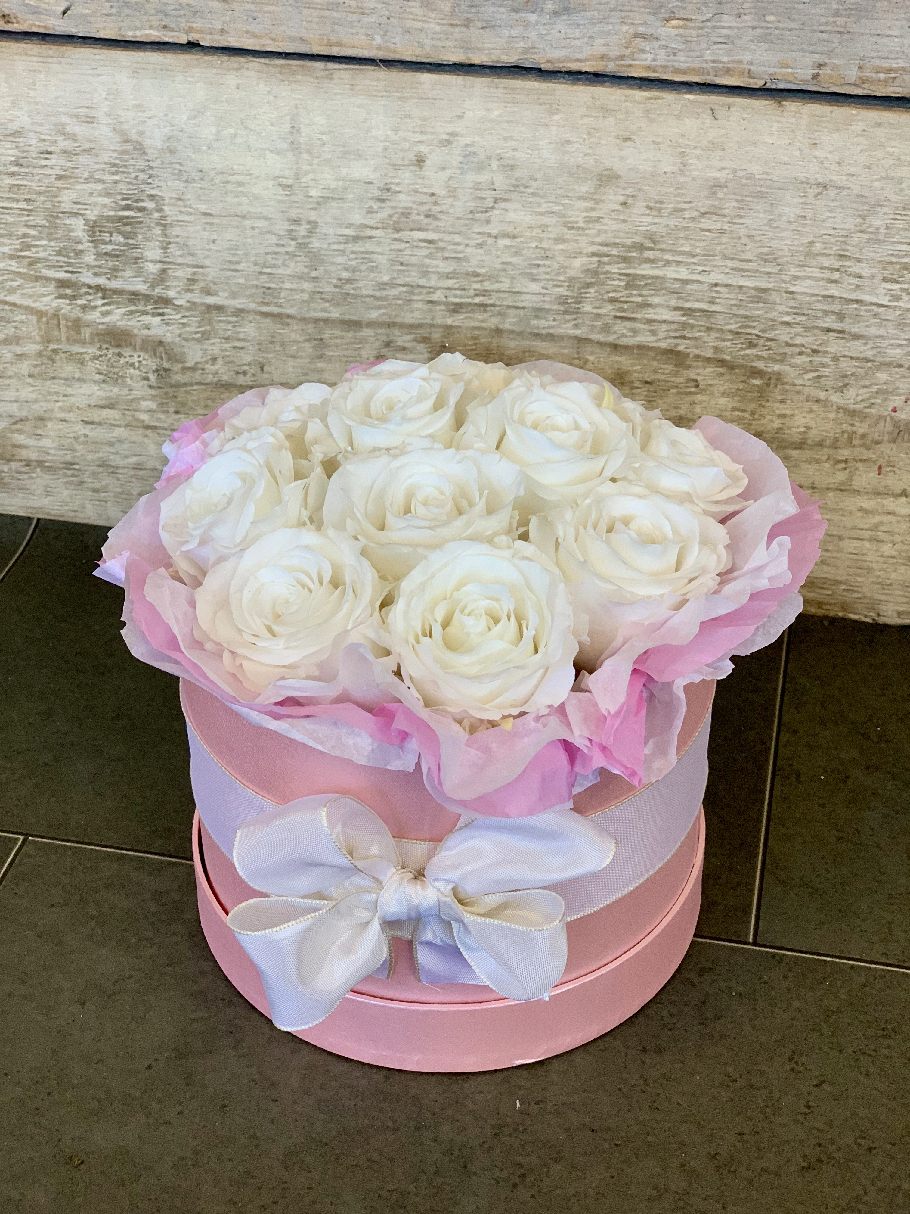 d5102c81e299 Preserved Rose Hat Box – Butterfly flowers